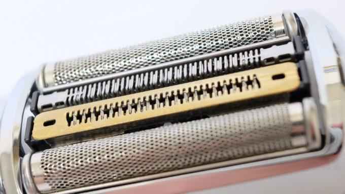 ブラウンシリーズ9の四枚刃ヘッド