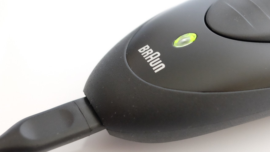 BRAUNシリーズ1の充電ランプ