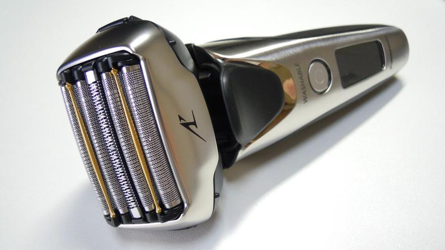 ラムダッシュ5枚刃ES-LV9Aの外観