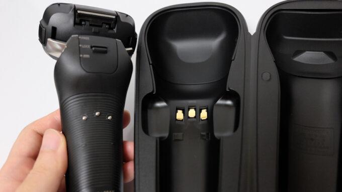 ラムダッシュ6枚刃付属のUSB充電ケース(接触端子)
