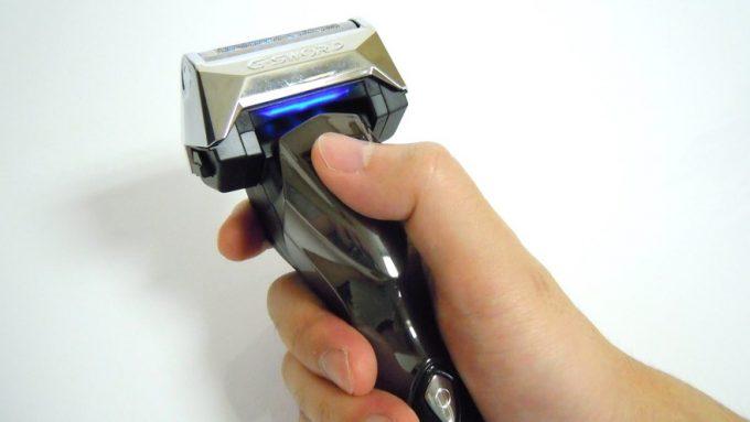 ロータリーシェーバーRM-LX2Dを普通に握った状態